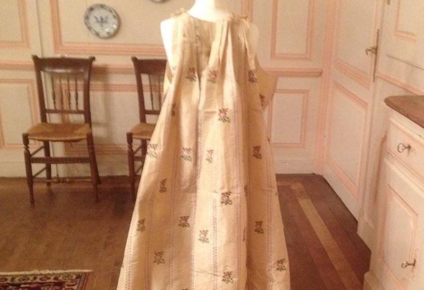 saconay-robe-louis-XV-