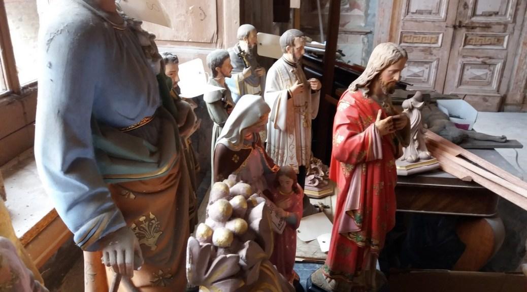 Saconay - les statues de la chapelle