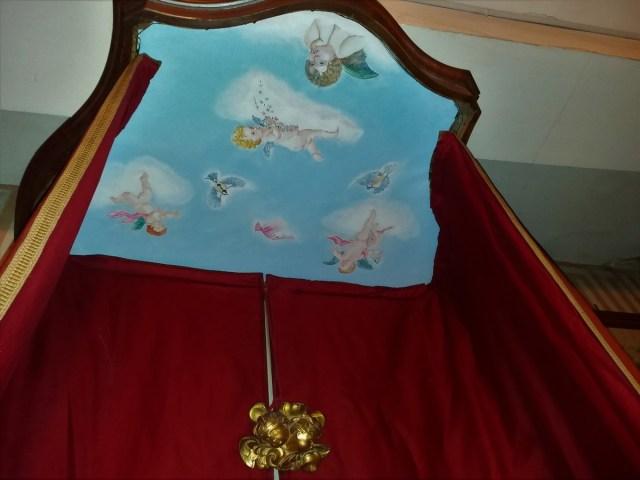 Saconay - Un magnifique ciel de lit