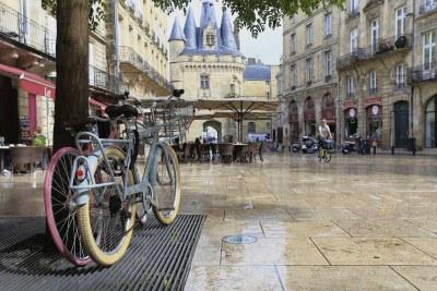 Bordeaux bicycles large