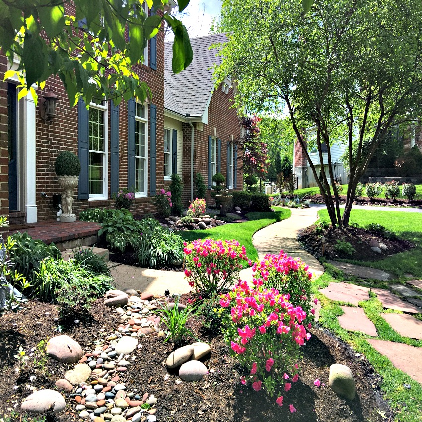 Garden Tour across the front at www.chathamhillonthelake.com