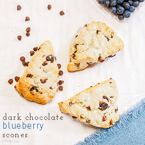 These dark chocolate blueberry scones are a delicious way to use up ripe summer blueberries | by plating pixels for chattavore