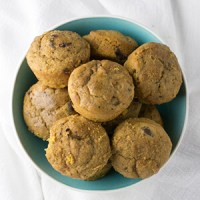 Banana-pumpkin-chocolate chip muffins are a sweet and delicious way to get your favorite flavors of the season onto your plate! | recipe from Chattavore.com