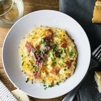 This butternut squash risotto is homey, simple, and delicious. Unlike most risottos, it doesn't require tons of stirring, so you can get things done while it cooks! | recipe from Chattavore.com