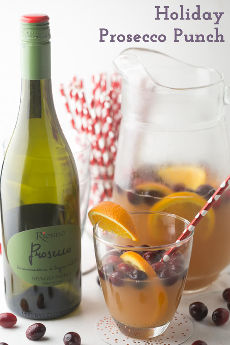 Full of festive flavors, this holiday Prosecco punch with Riondo Prosecco is the perfect bubbly drink for a pre-shopping holiday brunch! #sponsored | recipe from Chattavore.com
