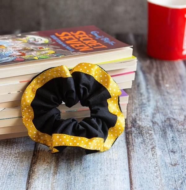 Scrunchie Black Yellow 3 https://chaturango.com/handmade-scrunchies-black-and-yellow-bordered/