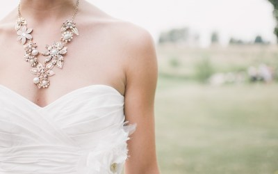 Quels sont les différents accessoires qui embellissent la mariée ?
