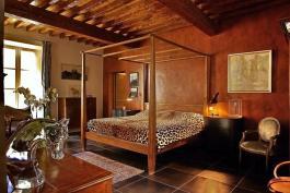 Décoration d'un mur à la chaux effet cuir Chaux Room