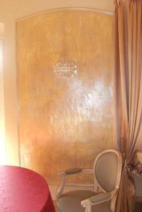 Décoration à la Chaux rose poudré et cire nacrée chaux room