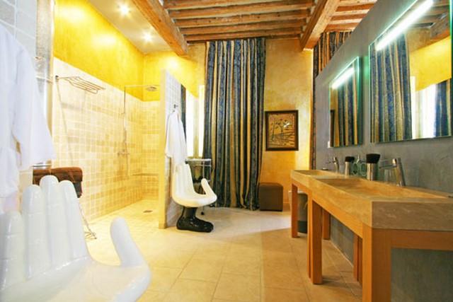 Enduit béton ciré et murs chaux jaune chaux room