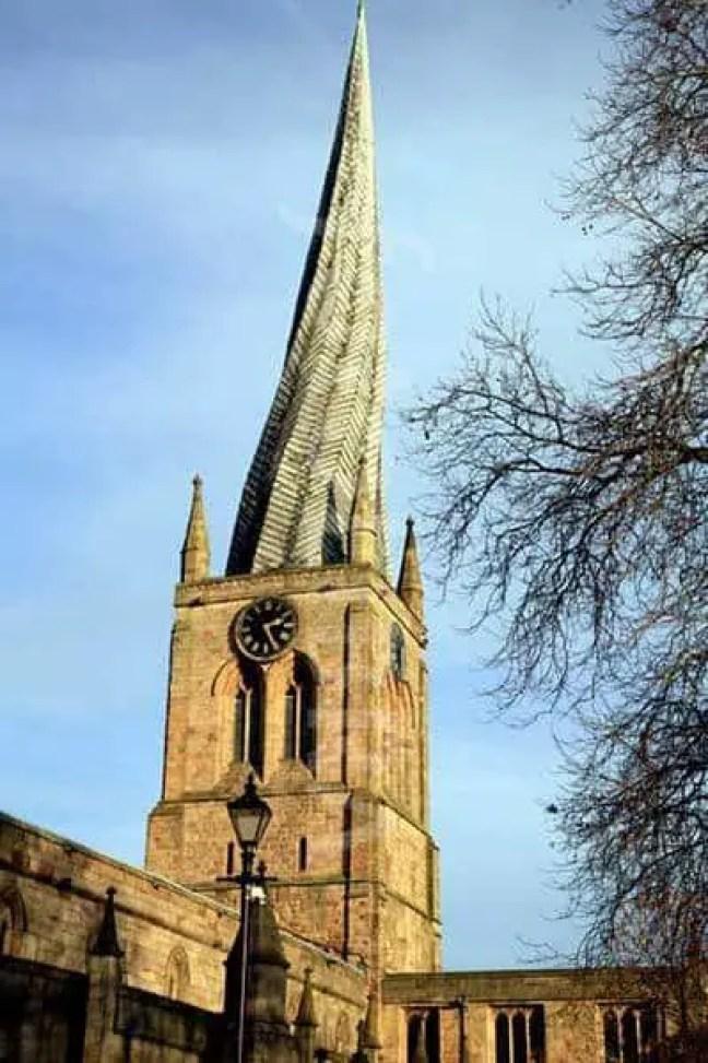 A torre torcida de Chesterfield