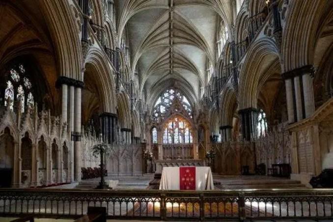 Coro do Anjo de St. Hugh, Lincoln Cathedral