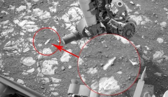 Desde a sua pouso complexo no solo marciano, rover Curiosity fez inúmeras descobertas com os seus vários instrumentos, incluindo brocas e lasers, para não mencionar a grande variedade de imagens (um total de 468.926) enviou até agora para a Terra. No entanto, o rover Curiosity está tendo sérios problemas que impedem que ele transmita para a Terra dados científicos armazenados em sua memória. O problema surgiu pela primeira vez no último final de semana (15 de setembro), que levou aos engenheiros do Jet Propulsion Laboratory, localizado em La Cañada Flintridge, perto de Los Angeles, EUA, investigar a causa e possíveis soluções.