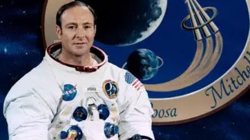O ex-astronauta Edgar Mitchell