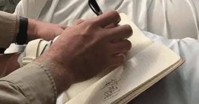 mensagem críptica sendo morta - Uma mulher americana escreve uma mensagem enigmática depois de estar morta por 27 minutos