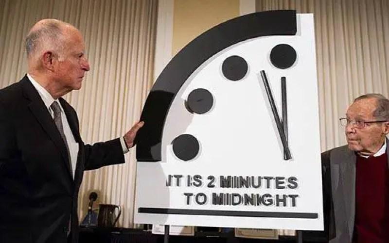 O relógio apocalíptico está funcionando