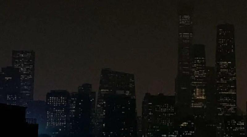 Um fenômeno misterioso vira dia para noite em Pequim