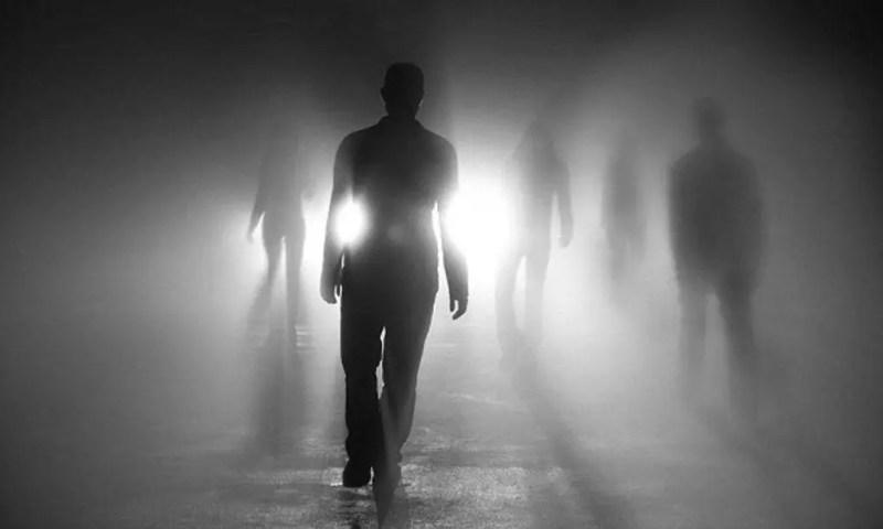 """Especialistas dizem que todos nós temos as """"mesmas visões"""" antes de morrer"""