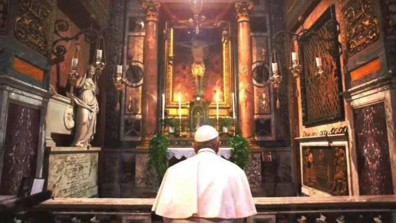 A história por trás do Crucifixo que 'parou' a praga há centenas de anos