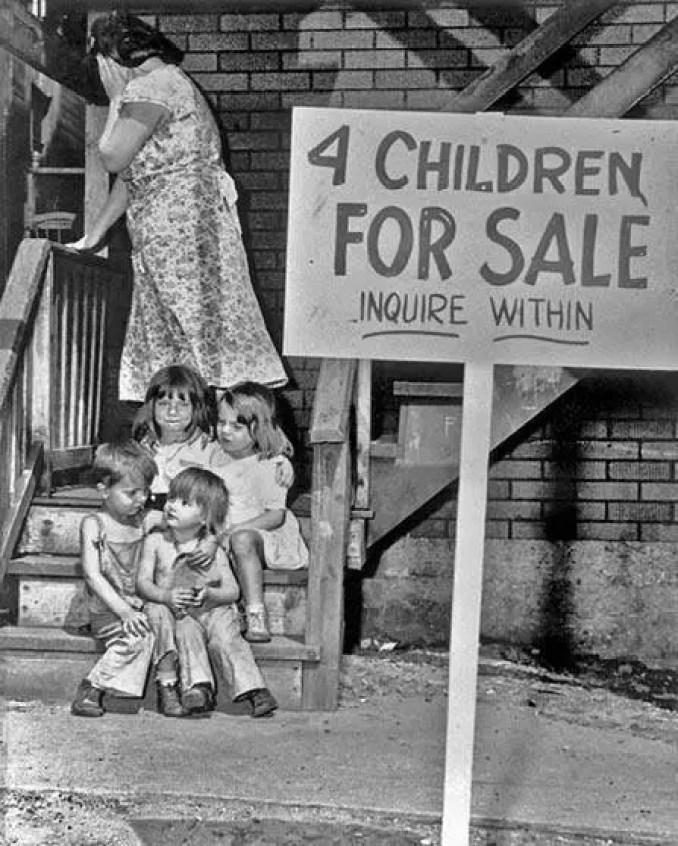 A triste história por trás das 4 crianças colocadas a venda por sua própria mãe