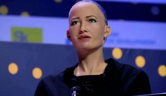 A robô humanoide Sophia se tornou uma espécie de celebridade