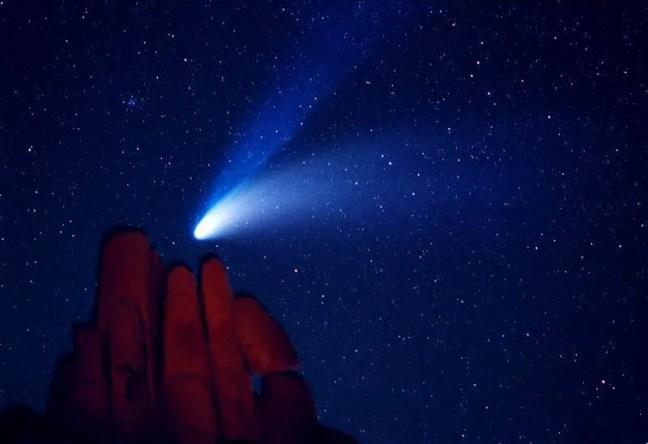 Foto do Cometa Hale-Bopp tirada em 1997.