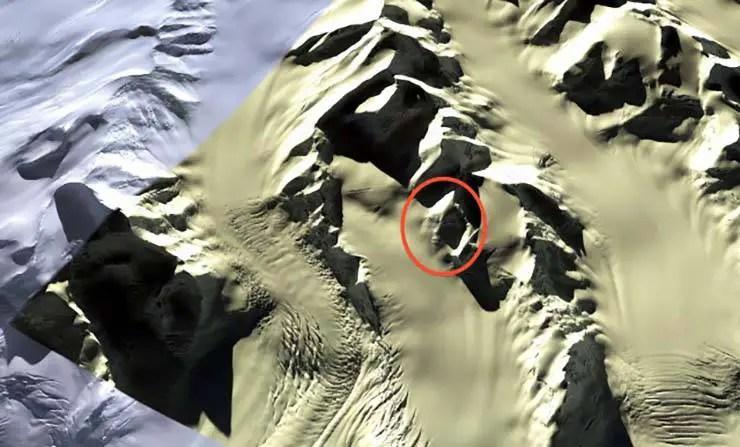 O rosto visto de grande altura. Cortesia Google Earth.