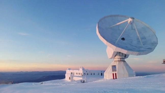 O telescópio IRAM de 30 metros é um radiotelescópio para observações astronômicas na faixa milimétrica de comprimentos de onda.