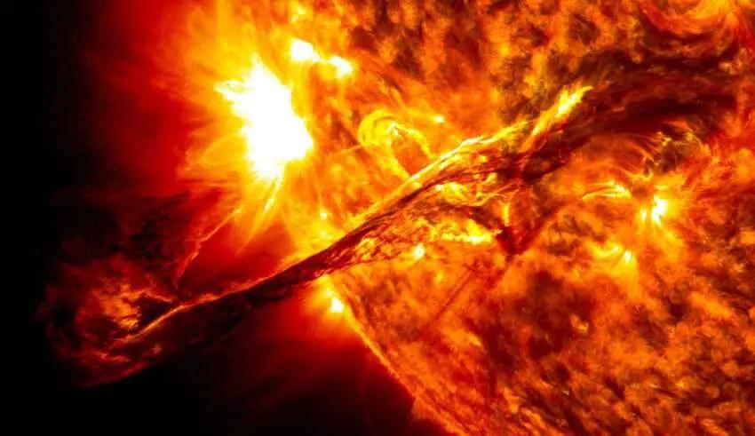 Os cientistas confirmam que uma poderosa explosão solar de classe X atingiu a Terra, e o pior ainda está por vir
