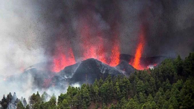 O vulcão Cumbre Vieja em La Palma, Espanha, entrou em erupção domingo dia 19 de setembro