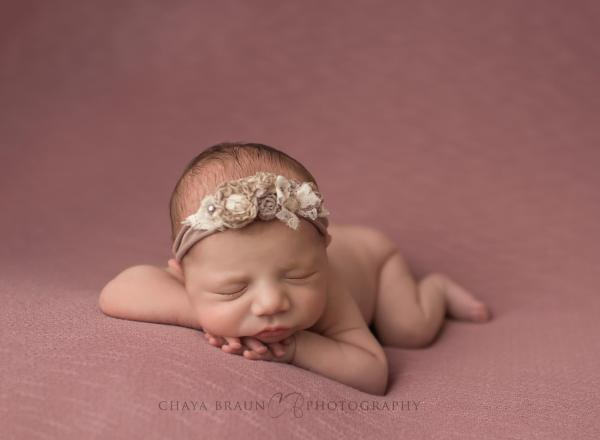 Newborn photographer in Maryland
