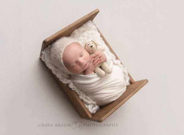 newborn baby photographer near me