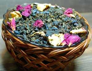 Чай мятный с черным барбарисом и лепестками роз