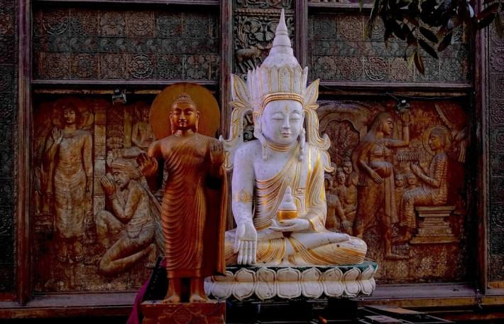 Buddha statues at the Gangaramaya temple in Colombo, Sri Lanka