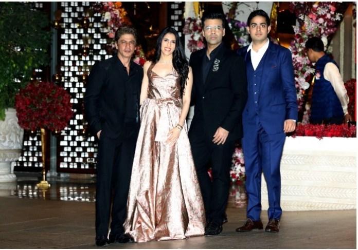 SRK, KJ with couple