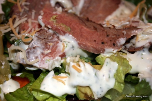 steak salad with ranch dressing