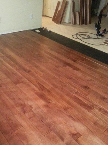 Instalaci n de piso de madera en la sala y el comedor - Instalacion piso madera ...