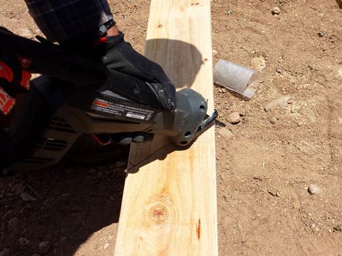Como hacer un port n de madera para una cerca - Como barnizar una puerta de madera ...