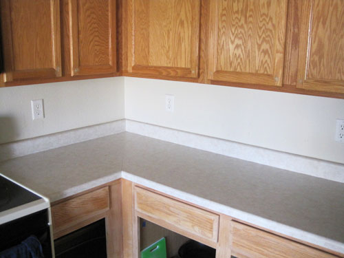 Old laminate countertops, replaced by granite ones as part of my DIY kitchen remodeling project