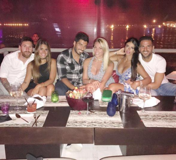 Messi Laugh Off Rumors Of Spending £32,600 On Champagne And Pizza 12