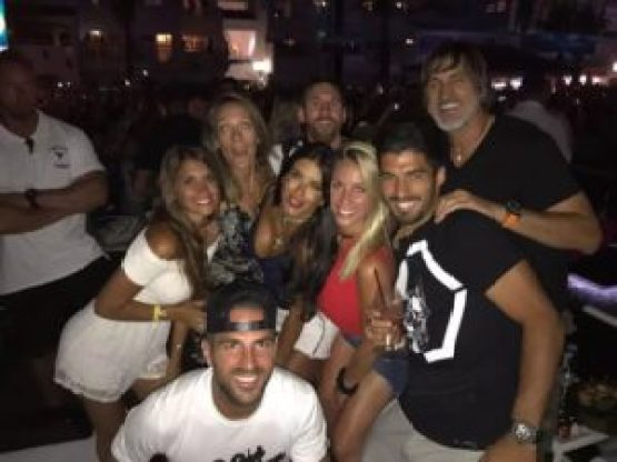 Messi Laugh Off Rumors Of Spending £32,600 On Champagne And Pizza 10