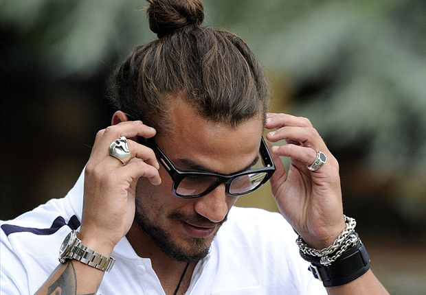 "I Quit Football To Concentrate On My ""Berbeque And Beer"" - Osvaldo 7"