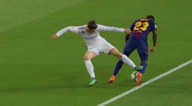 El Clasico Marred By Poor Officiating 7