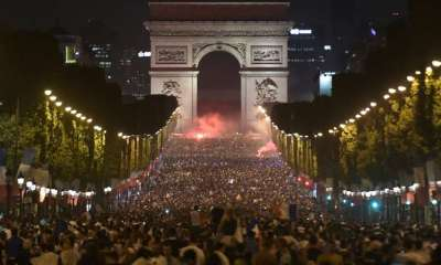 Russia 2018 : Over 20,000 Parisians Celebrates France's March To The World Cup Final 43