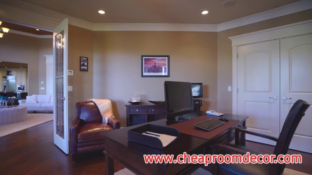 Small Home Office Image 5