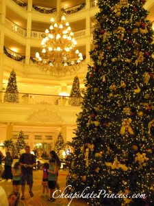 Grand Floridian Christmas Tree, how tall is the Grand Floridian Christmas tree, Christmas tree, huge tree,