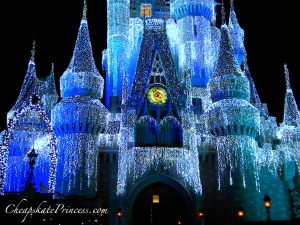 Castle Dreamlights, lights on Cinderella castle, Cinderella castle, Cinderella Castle at Christmas