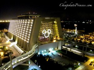 how much does it cost to stay at Disney at Christmas, cost of vacation at Contemporary resort, cost of stay at Contemporary Resort at Christmas