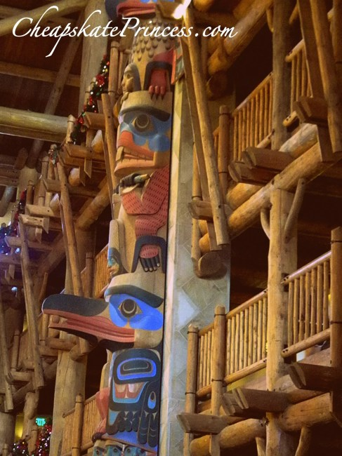 Disney Wilderness Lodge lobby totem pole