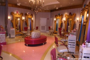 what does the Bibbidy Bobbidy Boutique look like, Bibbidy Bobbidy Boutique photo, Bibbidy Bobbidy Boutique
